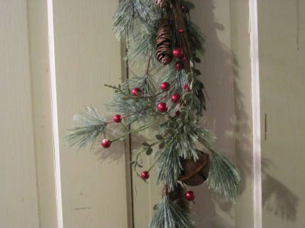 Jingle Bell Pip Garland